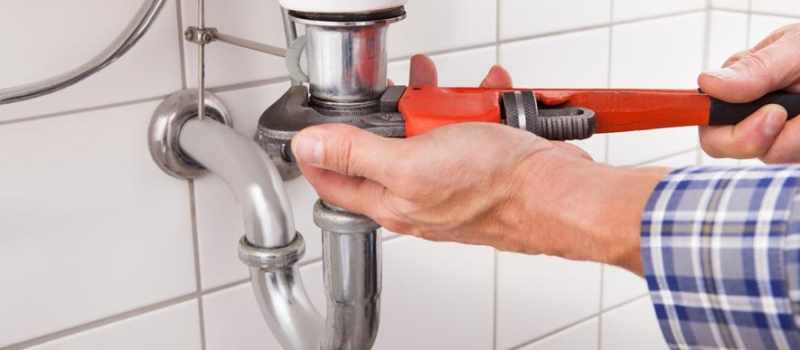 Commercial plumbers Laverton